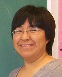 Lucy Qalingo, Directrice de l'école